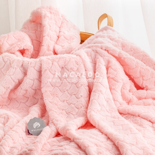 Wholesale embossed super soft cuddle minky fabric for baby blanket